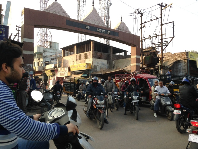 Here we see a normal intersection in Jaipur.